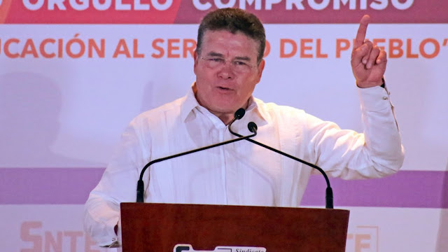 Pide licencia Juan Díaz de la Torre, líder del SNTE