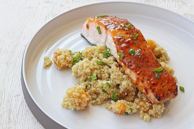 Συνταγή για Σολομό με Βερίκοκα και Κινόα