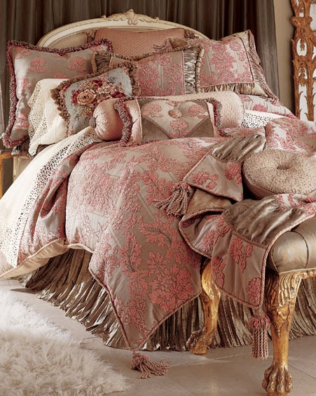 10 Design Ideas For Warm Bedding For Your Bedroom 1