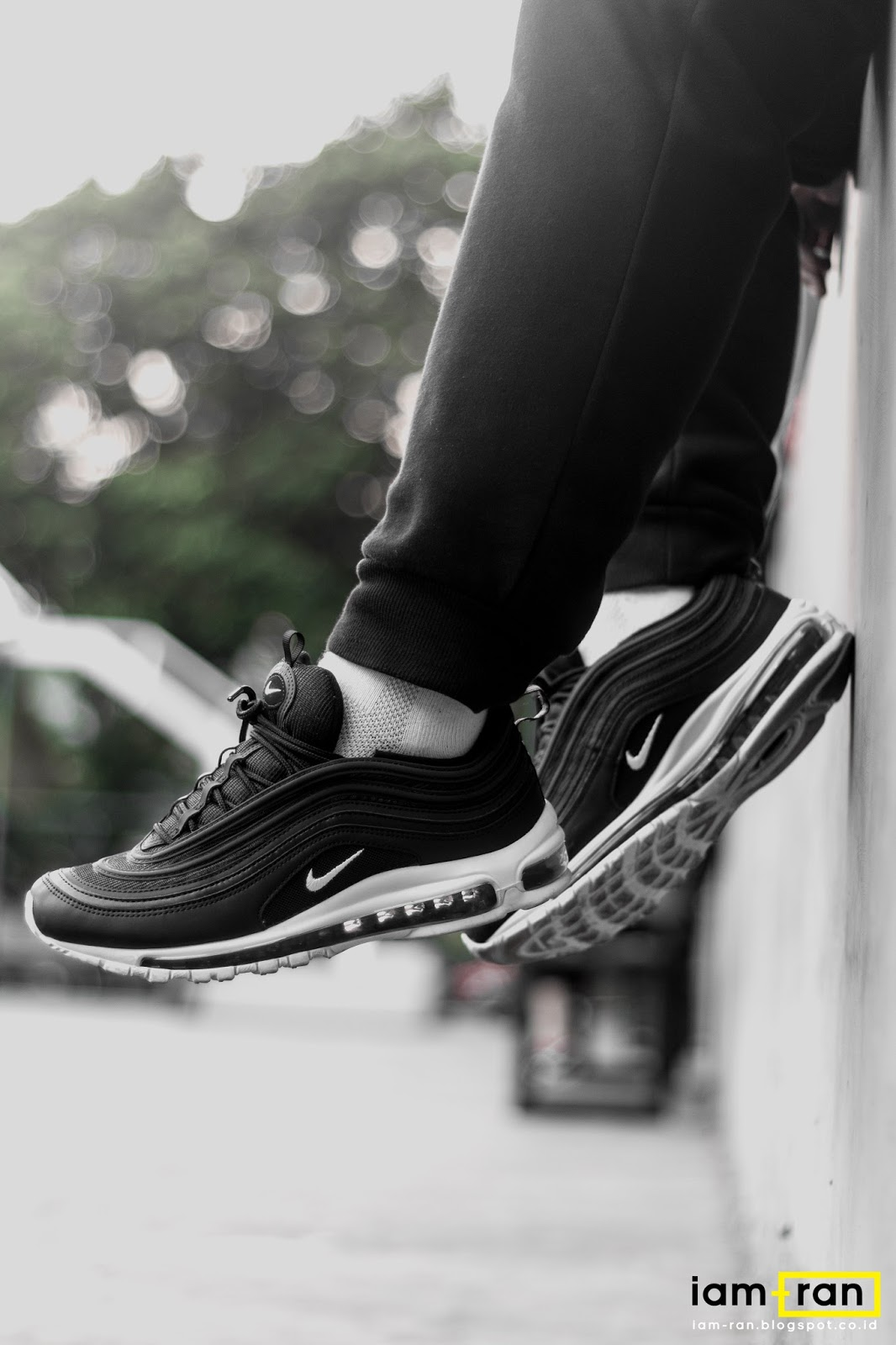 cilindro mando Conmemorativo  IAM-RAN: ON FEET : Zulfikar Ali - Nike air max 97 Black and White