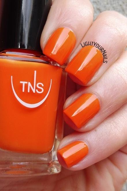 Smalto laccato arancione TNS Cosmetics Firenze 540 Eden (Lungomare) orange creme nail polish #tnsfirenze #tnslungomare #nails #unghie