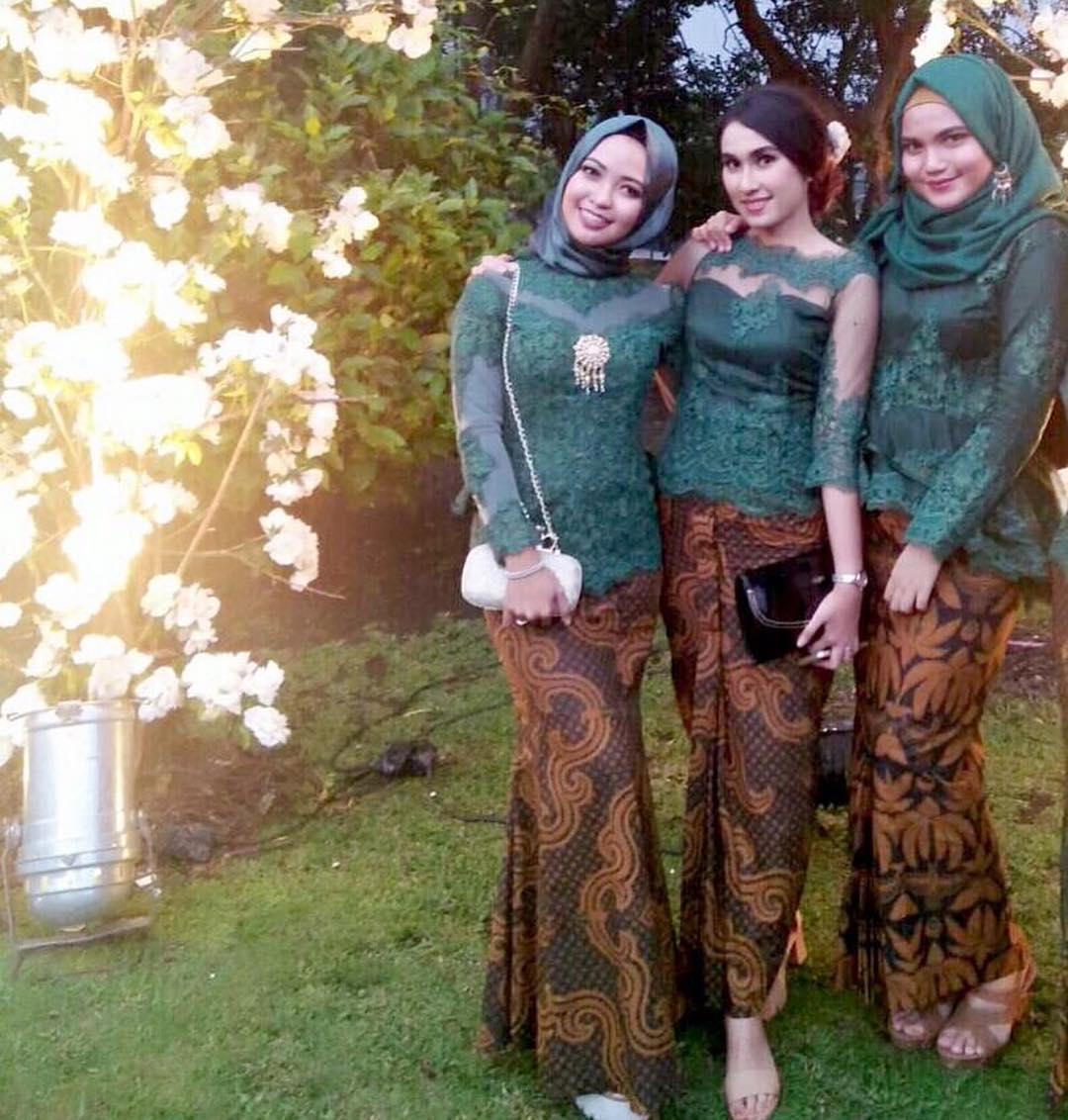 Model Kebaya Modern Terbaru 2017 Simple Dan Elegan - Teman ...