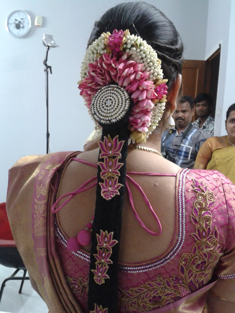indian wedding hair style south indian bridal hair style 28 photos indian wedding 2299