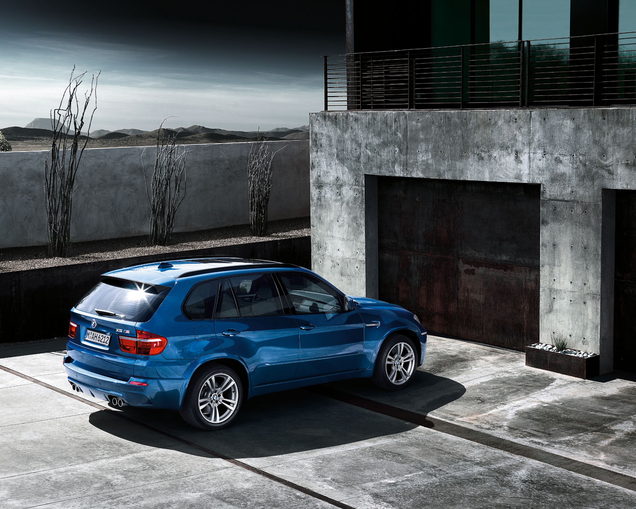 BMW X5 M Wallpaper Gallery  Clickandseeworld is all about ...