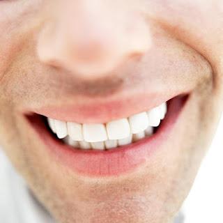 أحد أصناف أسنان الفم في الإنسان