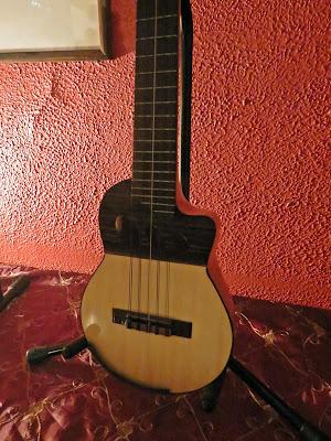 Charango  - ronrroco de luthier Claudio Rojas Caro