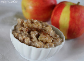 Apple-Cinnamon Oatmeal (Slow Cooker)