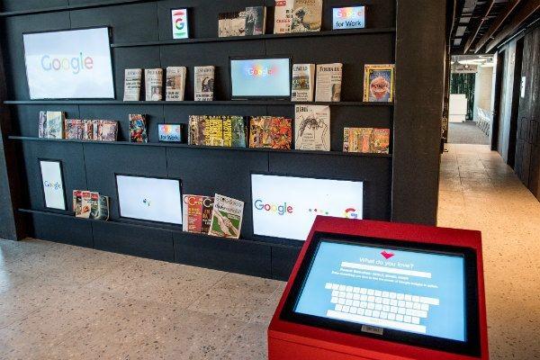 Sala de leitura do novo escritório do Google no Brasil