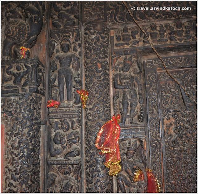 प्राचीन हस्तनिर्मित लकड़ी से बना मंदिर शक्ती देवी छत्राडी