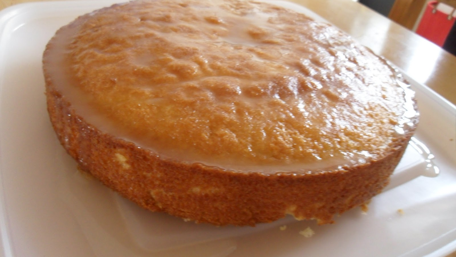 Heavenly Homebakes: Luscious Lemon Drizzle Cake