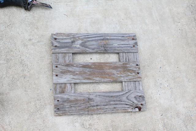 pallet boards screwed together