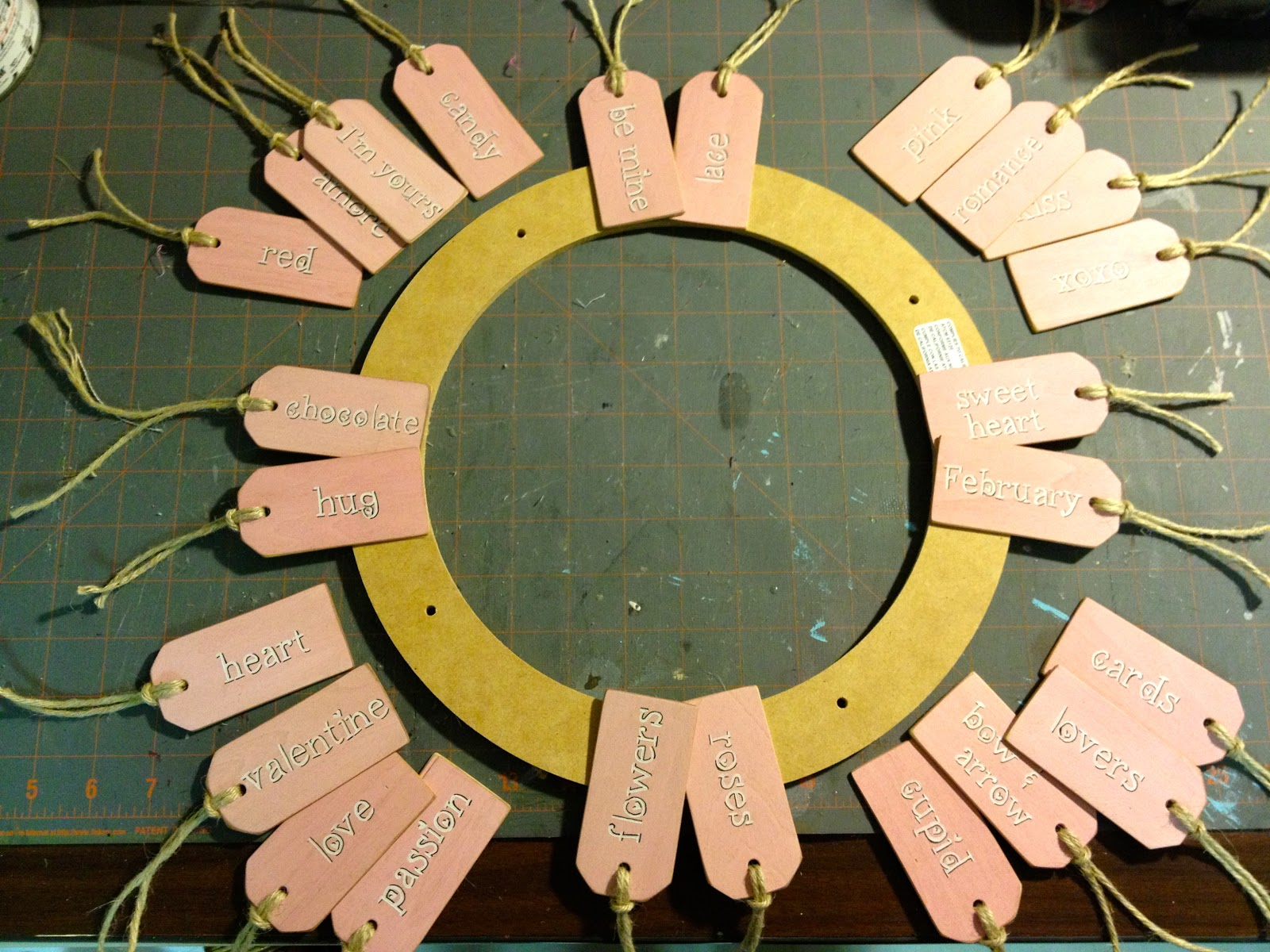 wood-tag-wreath