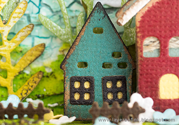 Layers of ink - Miniature House Shadow Box by Anna-Karin Evaldsson with Sizzix Tim Holtz Snowglobe