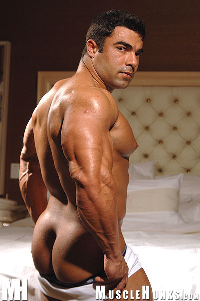 Resultado de imagem para Eduardo Correa Naked
