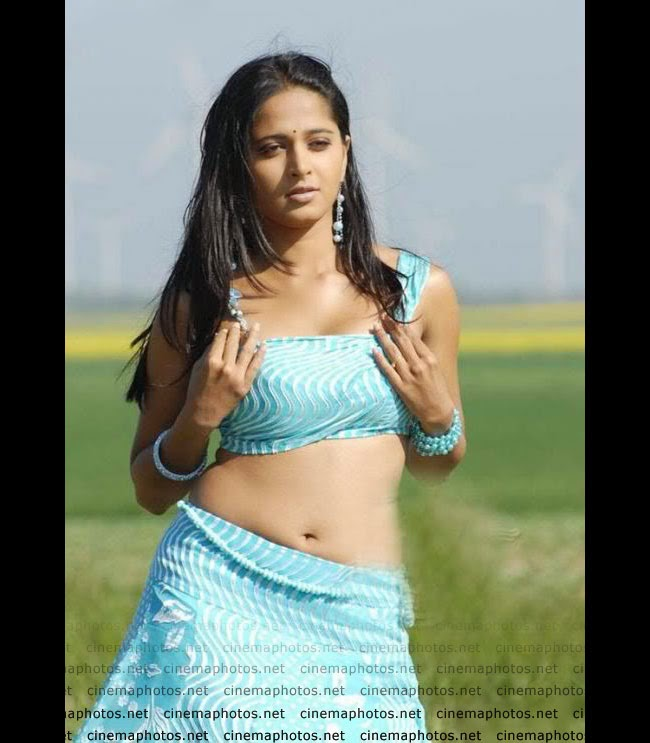 Anushka Shetty Ki Nangi Photos-Bikini Scene-Full Sexy