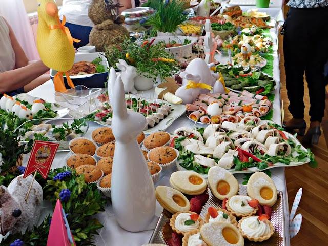 jedzenie świąteczne, babeczki, zające, dekoracje świąteczne