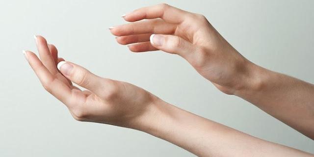 Cara Mengobati Bintik Bintik Berair di Tangan / Telapak Tangan