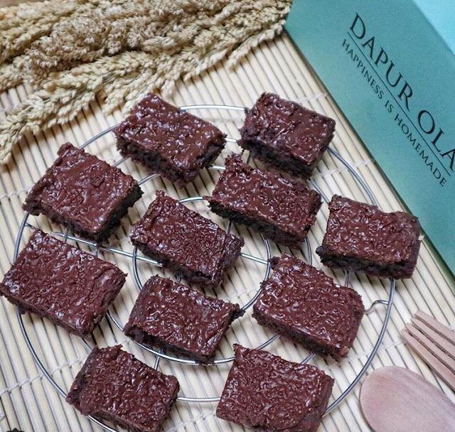 Resep Membuat Brownies Ovomaltine Coklat Praktis Tanpa Mixer by Resep Kue Komplit