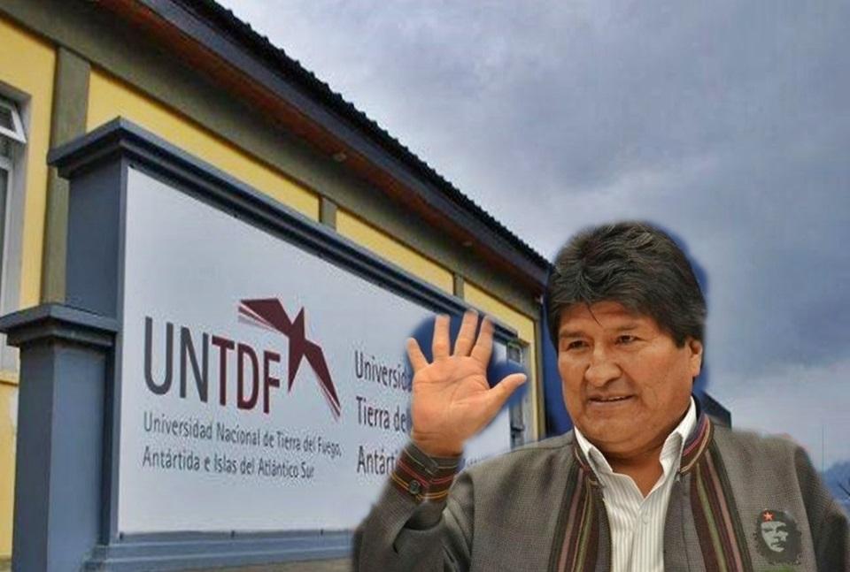 En la UNTDF Doctoraron a Evo Morales