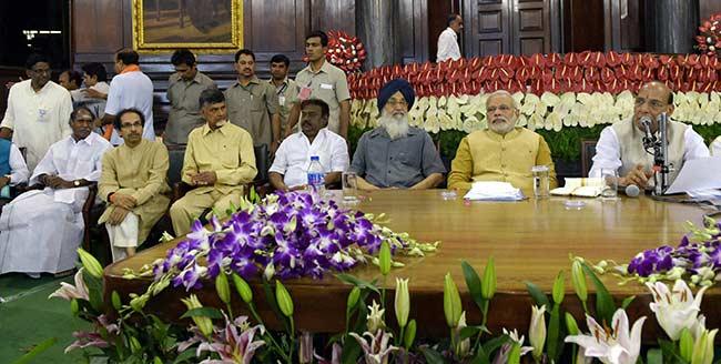 2019 से पहले बढ़ी पीएम मोदी की मुश्किलें, सबसे पुरानी सहयोगी पार्टी ने खोला मोर्चा