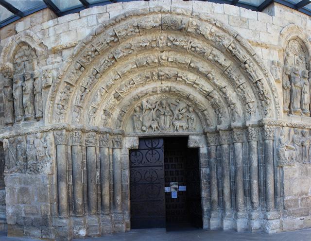 Portada norte de la iglesia de San Miguel