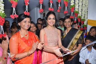 Actress Ritu Varma Launches Anoos Salon & Clinic  0022.jpg