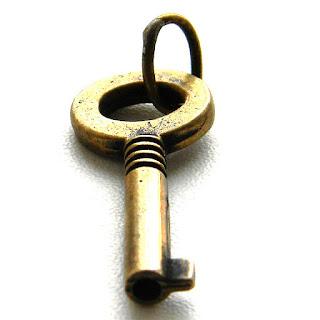 талисман в виде ключа сувениры в виде ключа оптом купить