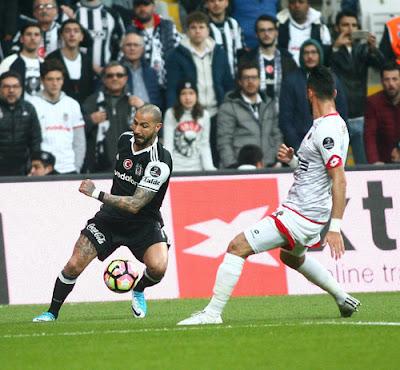 b56d0ca9211b5 Trabzonspor 3 Besiktas 4 - Quaresma Titular Sai lesionado