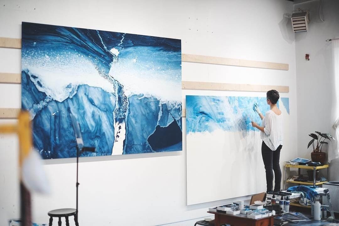 03-Hard-at-work-Zaria-Forman-Ice-Snow-and-Water-Pastel-Drawings-www-designstack-co