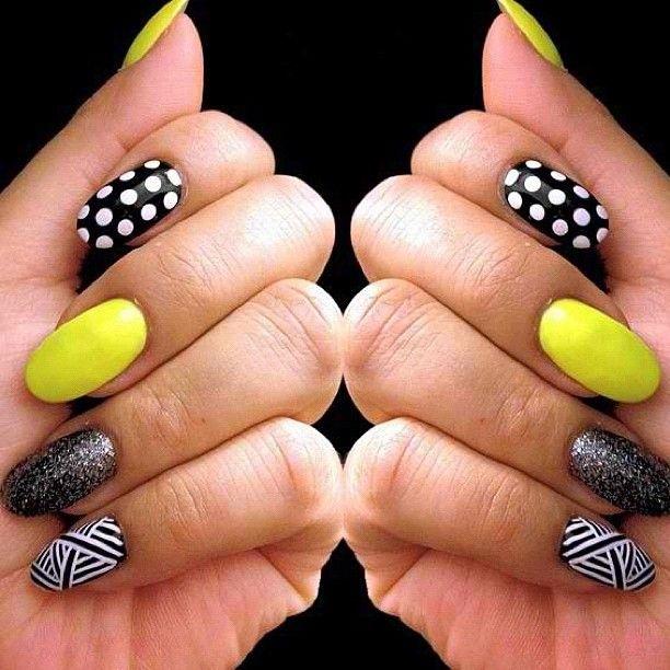 Amazing Nail Art: Makeup Of The Day: Fun Nail Fridays: A Fun Cool Design