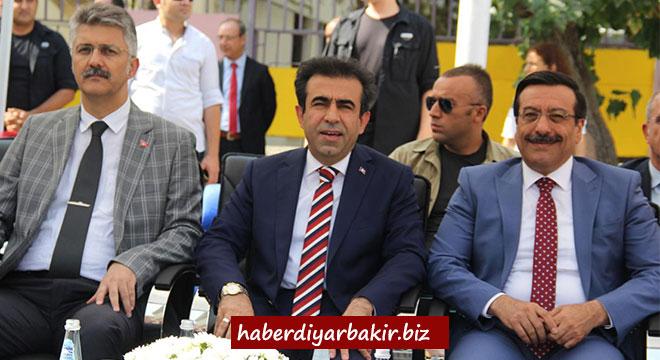 Diyarbakır'da 441 bin öğrenci ders başı yaptı