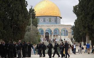 البطريرك صبّاح: مزيد من القتال في المسجد الأقصى، وكل ذلك في سبيل الصلاة؟