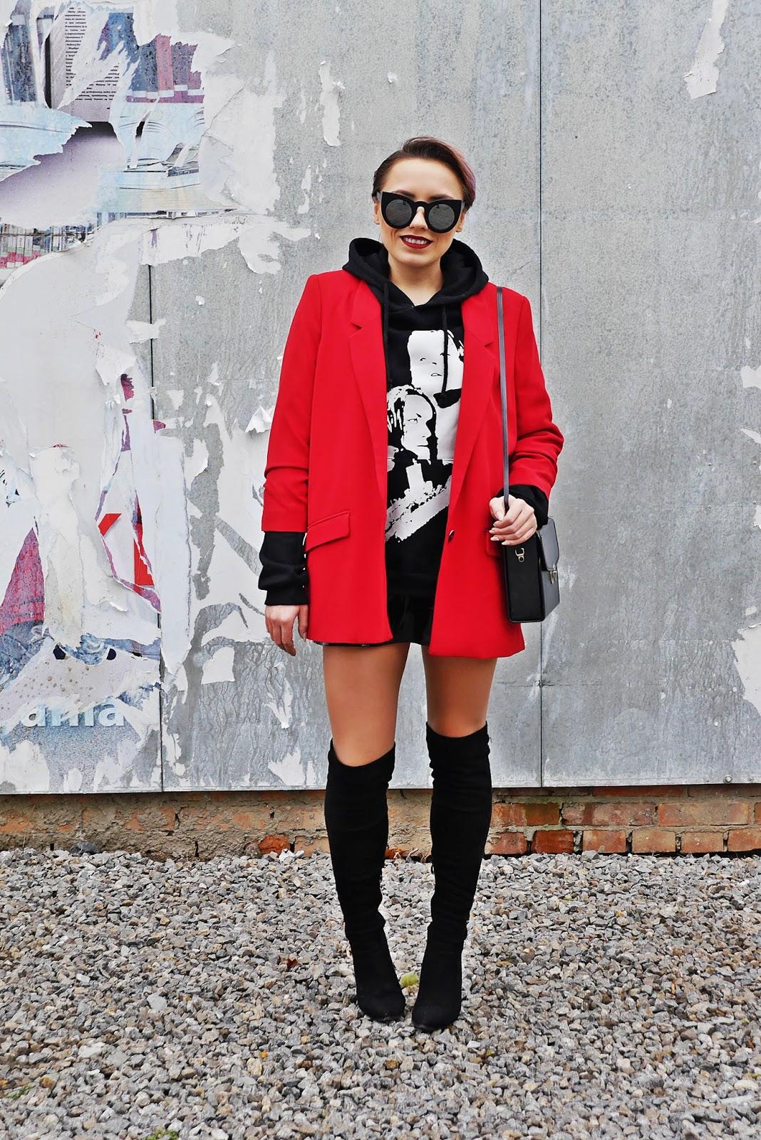 3_red_jacket_black_hoodie_titanic_karyn_blog_modowy_171017a
