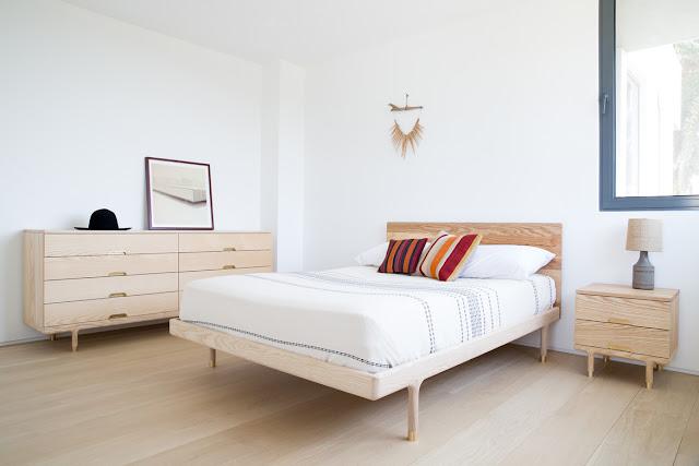 Kamar Tidur Sederhana - Putih