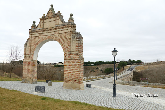 Arco y Puente de Medina, Arévalo