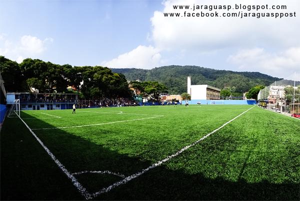 Arena Taipas tem gramado sintético, arquibancada para 3 mil torcedores e vários projetos esportivos e sociais