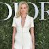 Gabriella Wilde posa para fotos no lançamento da exibição 'Christian Dior, couturier du rêve' comemorando 70 anos de criação, em Paris, França – 03/07/2017