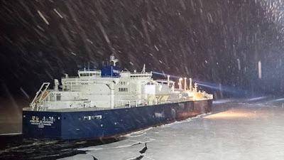 Επανάσταση: Ρωσικό δεξαμενόπλοιο ολοκλήρωσε το πρώτο ταξίδι μέσω της Βόρειας θαλάσσιας Διαδρομής. Η ΡΩΣΣΙΑ ΞΕΚΙΝΑ ΜΙΑ ΝΕΑ ΕΠΟΧΗ ΣΤΗ ΓΕΩΠΟΛΙΤΙΚΗ