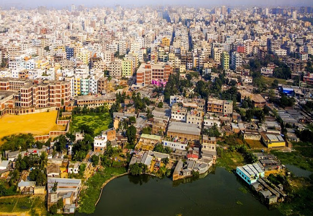 View of Dhaka in Bangladesh.  Copyright: meinzahn / 123RF Stock Photo