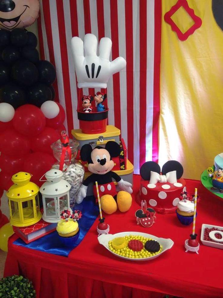 Decoraci n de fiesta de mickey mouse fiestas infantiles - Ideas decoracion fiesta ...