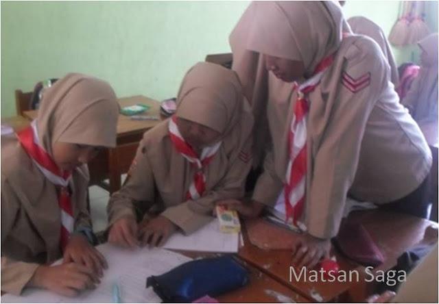 Sekolah Sebagai Tri Pusat Pendidikan