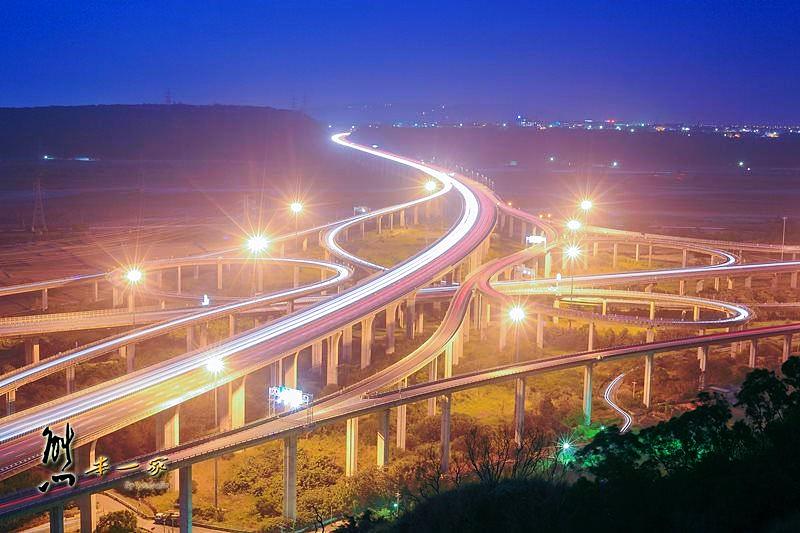 清水交流道中港系統交流道拍攝點怎麼去交通GPS座標|中港系統交流道夜拍車軌攝影景點|清水交流道路線圖|台中清水私房景點