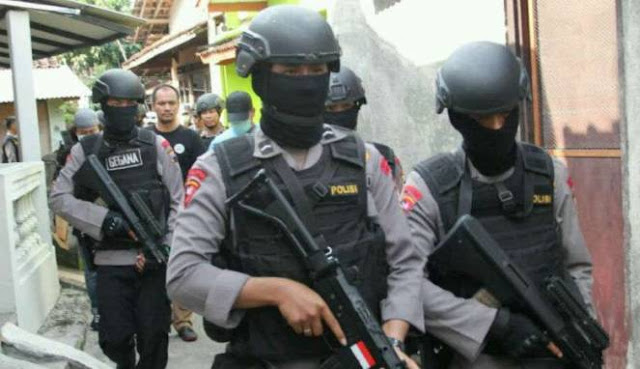 Densus 88 Tangkap Warga Sragen dan Karanganyar Pasca Jokowi Kumpulkan TNI Polri