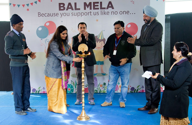 Ms. Nidhi Pundhir, Director-CSR, HCL Foundation lighting the lamp at BA
