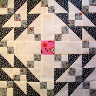 How to make a quilt block tutorial with triangles and squares