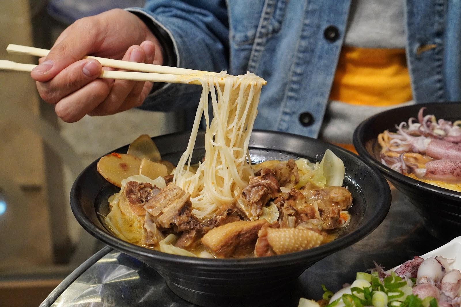 台南北區美食【金三益健康茶飲】薑母鴨麻油麵線