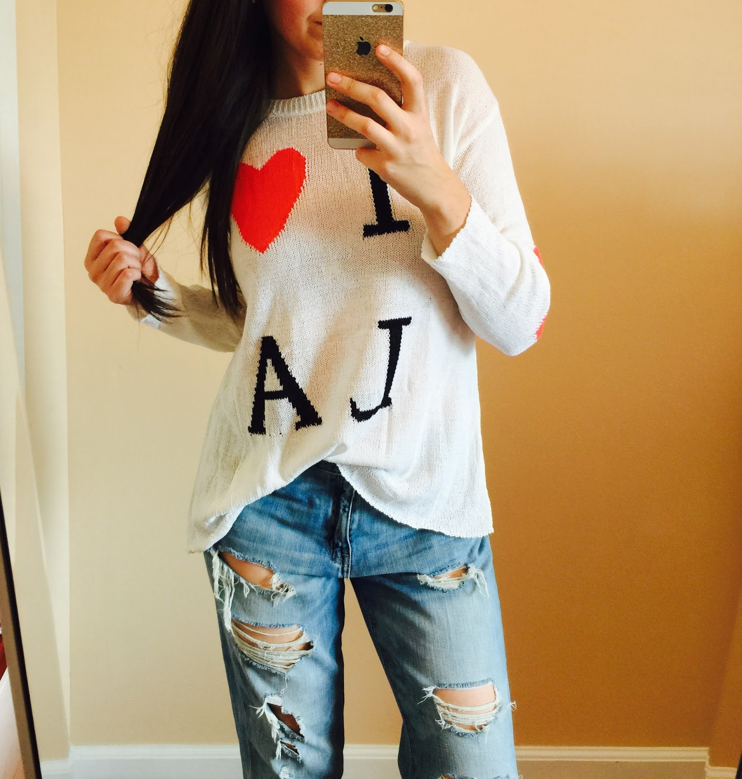 annabri clothing, annabri i <3 LA sweater, I LOVE LOS ANGELES HEART SWEATER, annabri sweater, boyfriend jeans, how to style a chunky sweater, pretty, heart on elbow sweater,