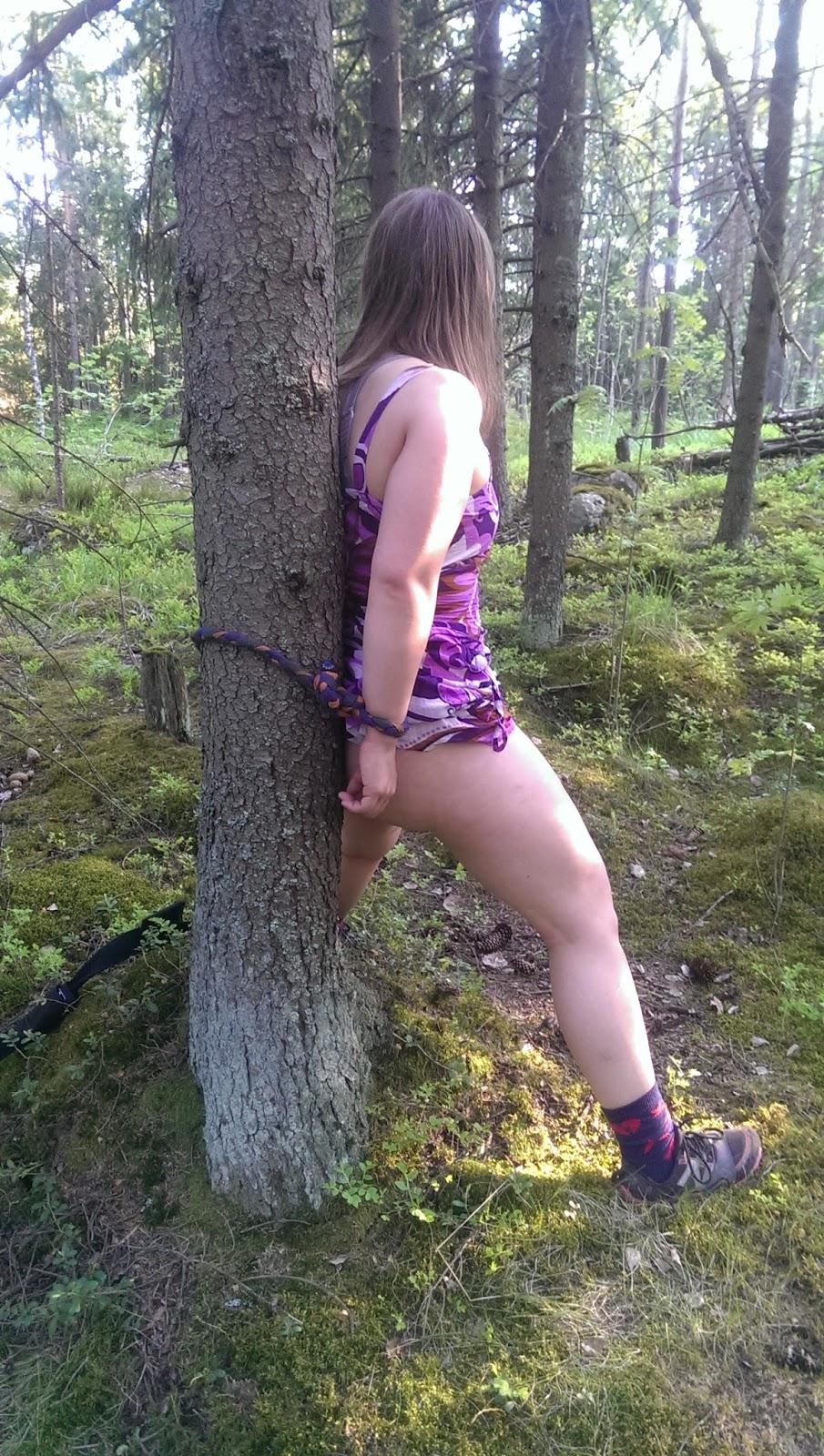 Vanha nainen alasti pusku reikä-8395