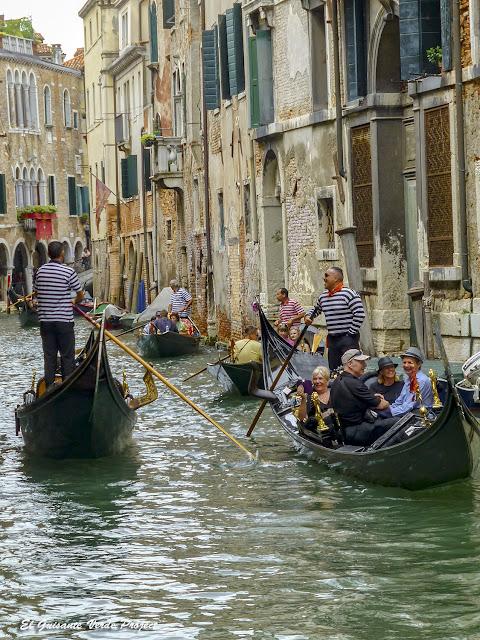Paseo en Góndola por los canales de Cannaregio - Venecia por El Guisante Verde Project