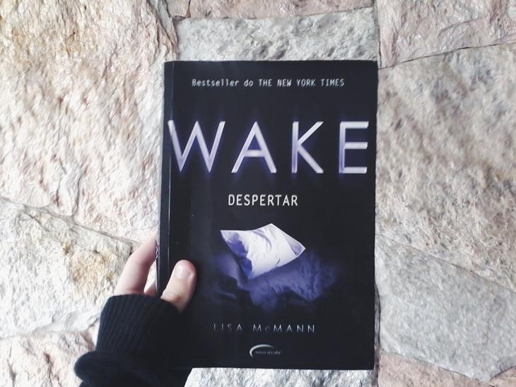 Wake, primeiro de uma trilogia